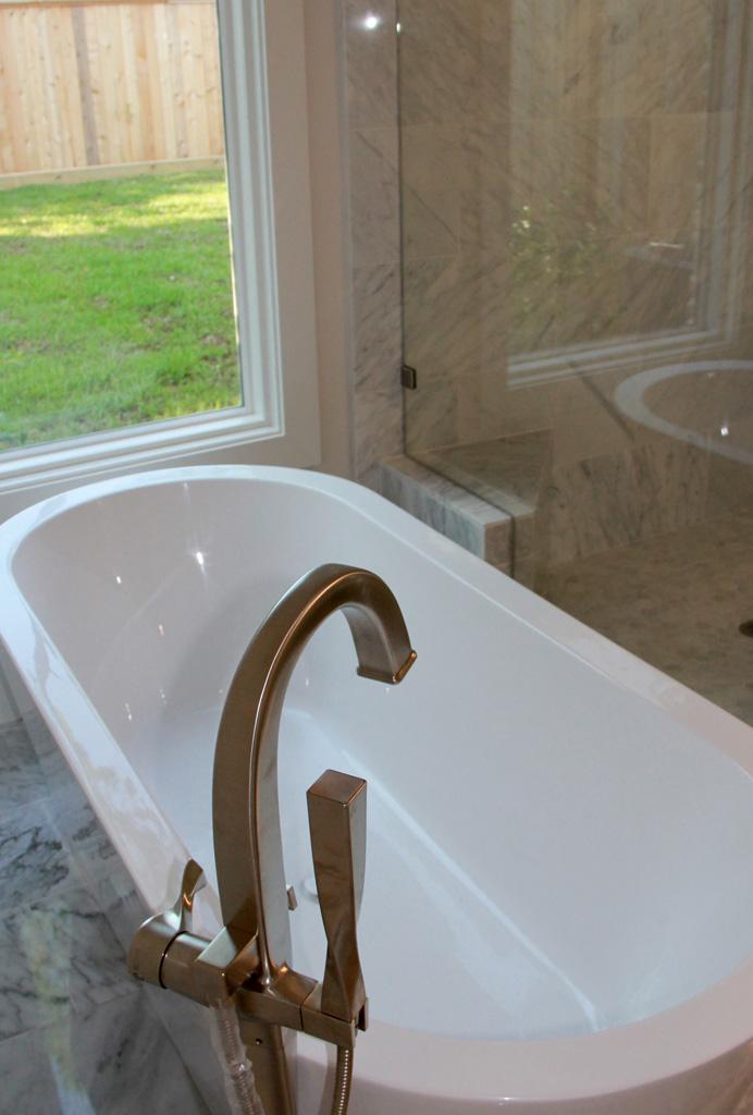 freestanding custom bathtub