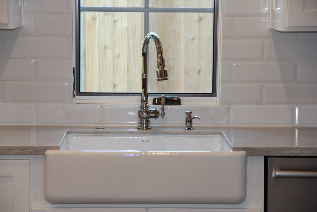 Farmhouse sink with high end fixtures